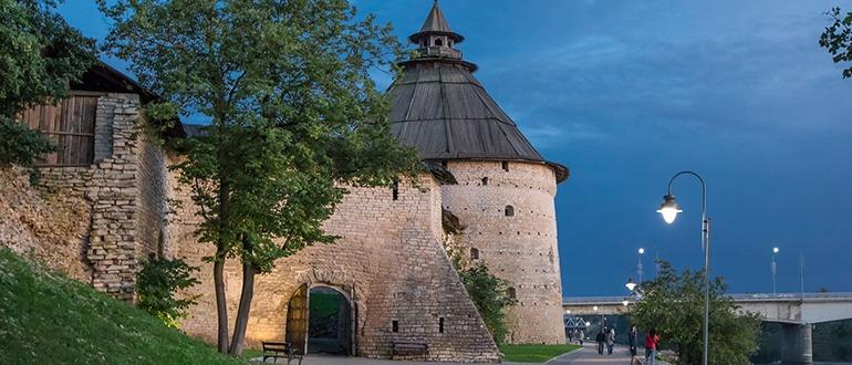 Покровская башня Псков