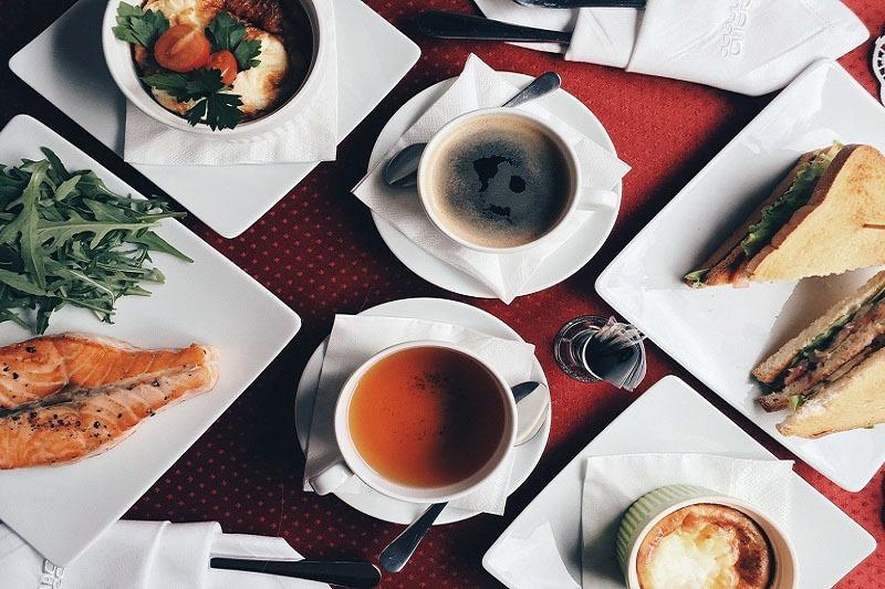 Питание в вагоне-ресторане «Гранд Экспресс»