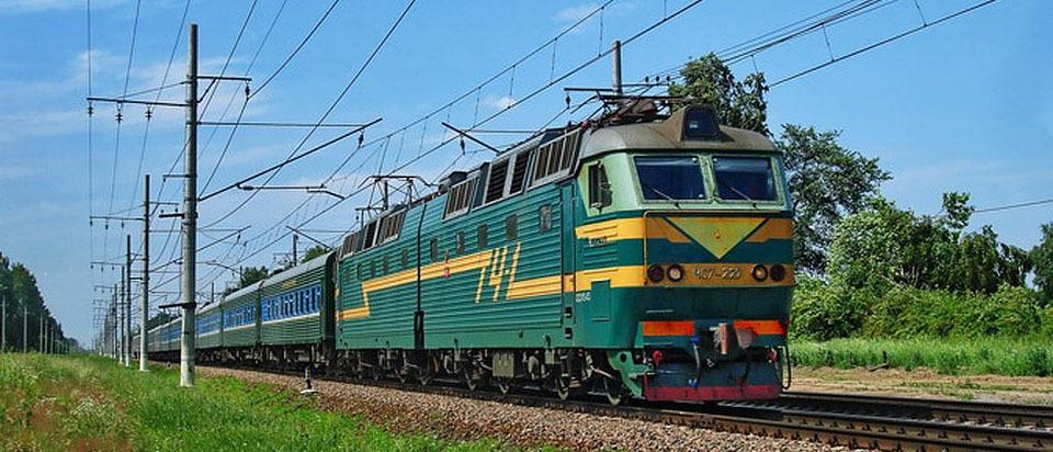 Пассажиры поездов дальнего следования смогут заказать многоразовое питание у проводника